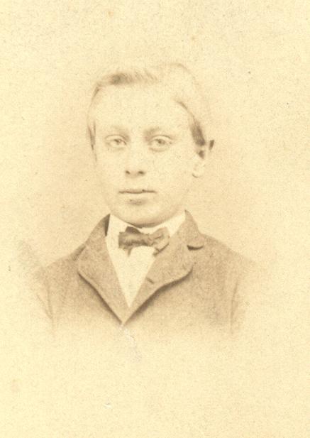 18623