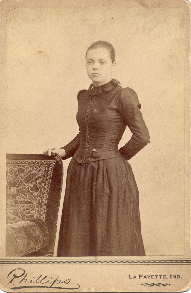 18643