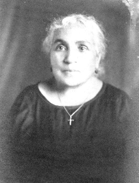 18737