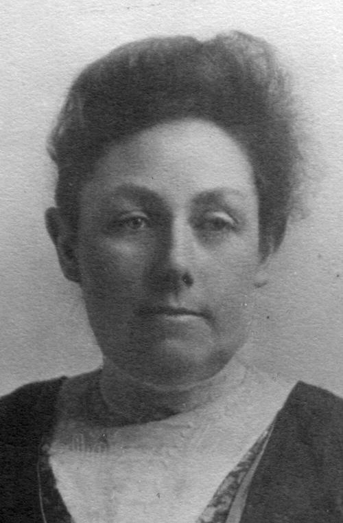 18822
