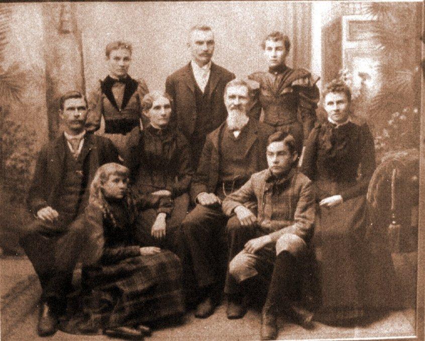 18930