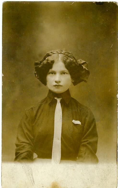 18963
