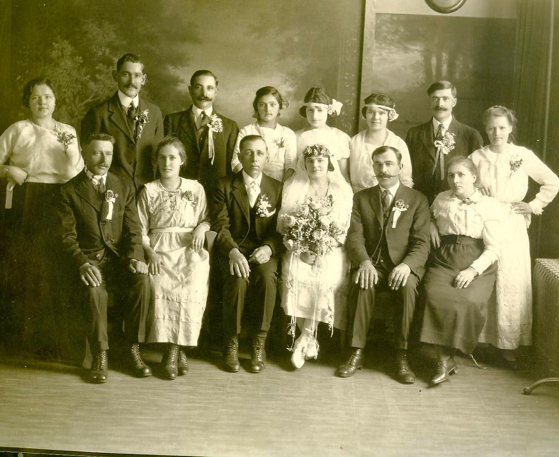 18965