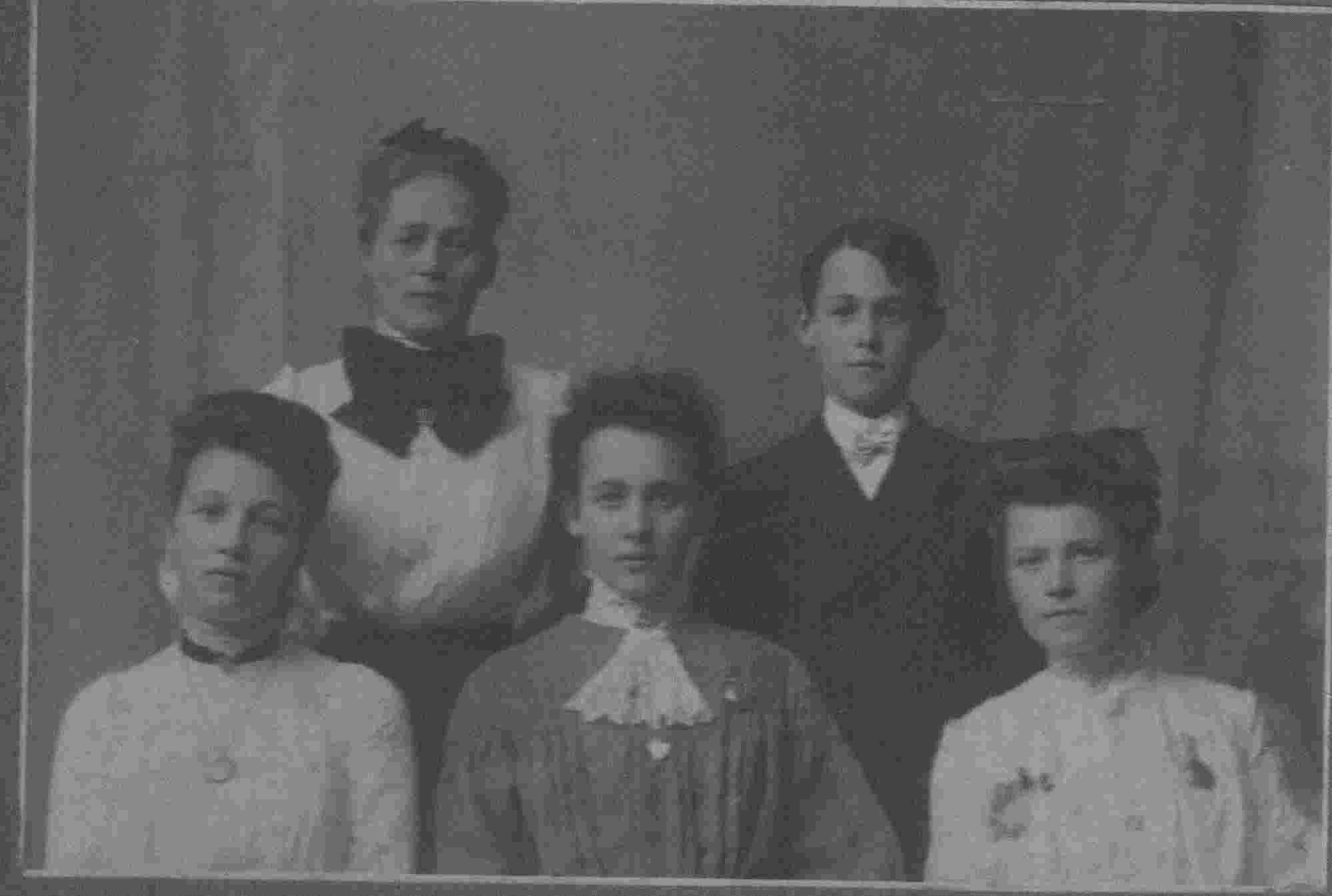 19002