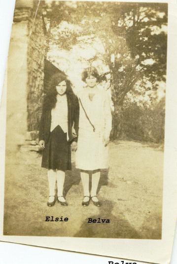 19045