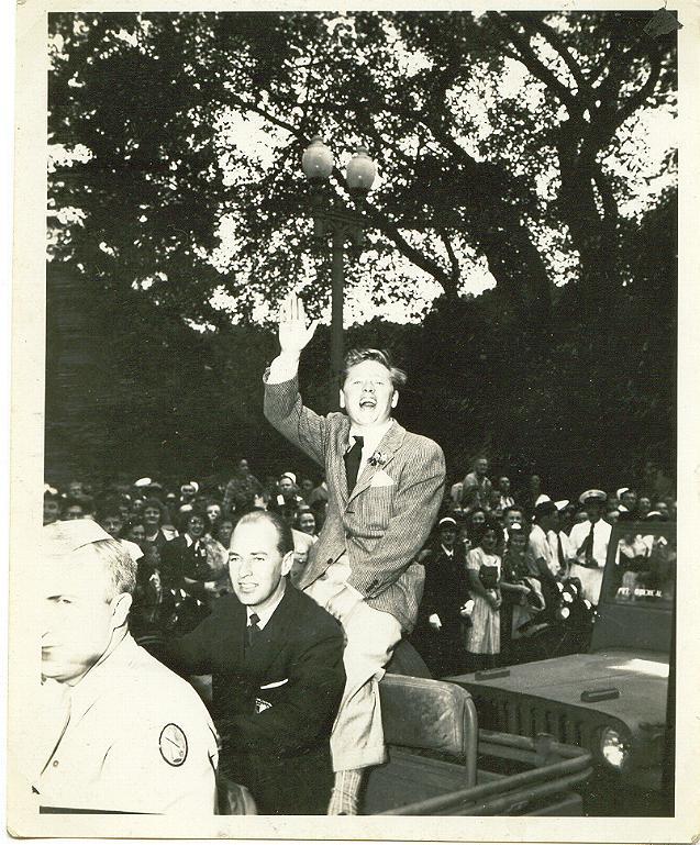 19065