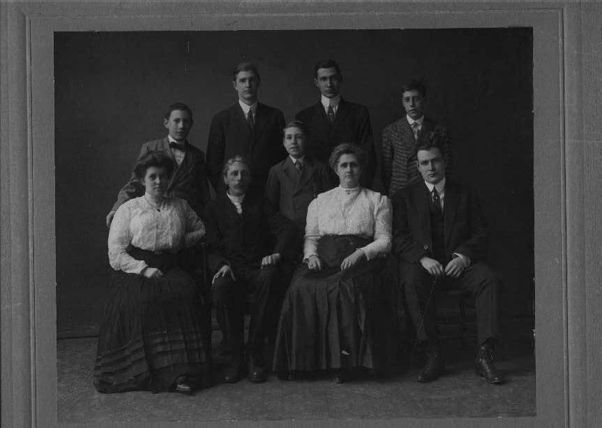 19196