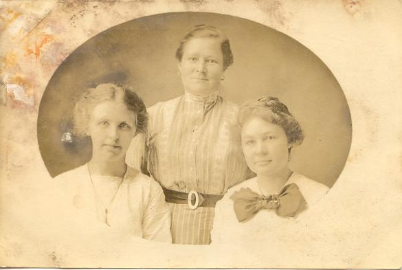 19256