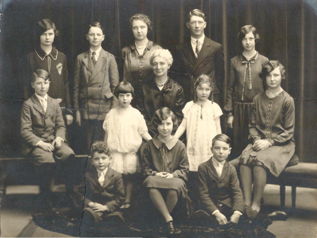 19319